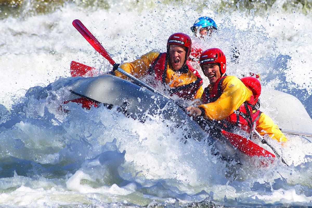 Avancerad Rafting, En Fartfylld Upplevelse!